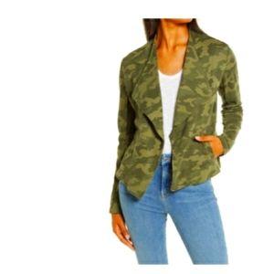 Jackets & Blazers - NWT Olive Camo Print Blazer Size-XL